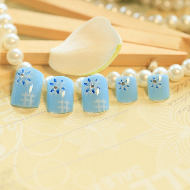 beautiful lady acrylic toenails fresh fake predesigned nails sky blue flower patterns nails country