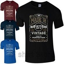 6ea19aaae37b77 Divertente Degli Uomini di Stampa della MAGLIETTA Delle Donne di fresco tshirt  Made in 1973 T-Shirt Nato 46th Di Compleanno Anno.