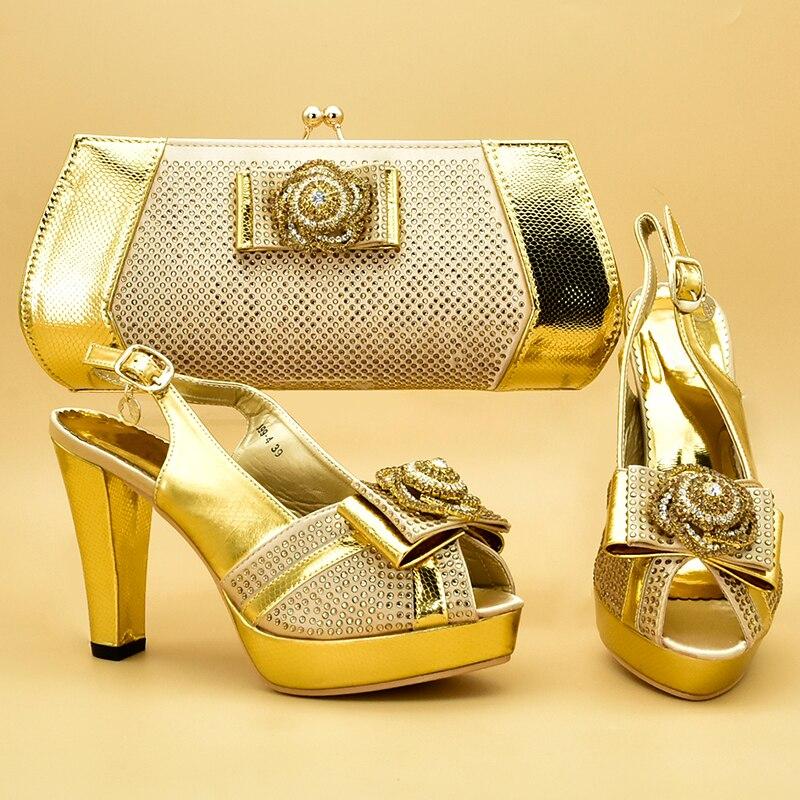 جديد الذهب اللون الأحذية الايطالية و الحقائب لمطابقة الأحذية مع مجموعة الحقائب مزينة حجر الراين الأحذية و مجموعة الحقائب الأفريقي مجموعات ZS 18-في أحذية نسائية من أحذية على  مجموعة 1