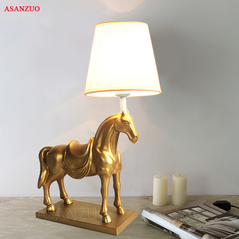 Creative Resin Table Lamp Horse Led Desktop Lamp American Bedroom Living Room Study Deco Desk Lamp