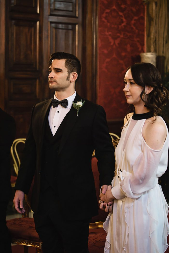 piazza-del-campidoglio-in-rome-was-the-perfect-wedding-destination-for-this-art-and-history-loving-couple-quince-and-mulberry-studios-27-700x1050