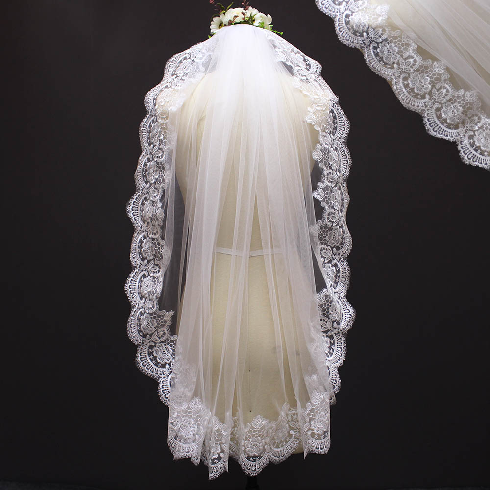 2017 Real Photos Lace Edge Single Tier Short Wedding Veil with Comb Beautiful New Bridal Veil Voile Mariage