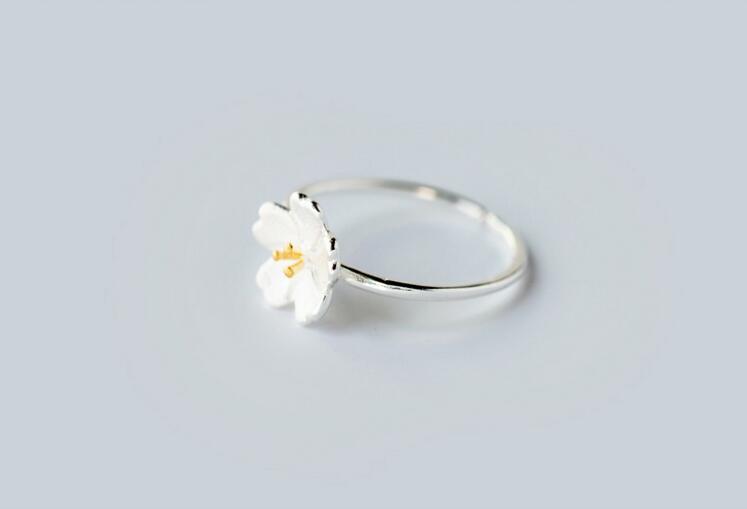 yiustar Új érkezési gyűrűk a nőknek Szép virág nyitott - Divatékszer - Fénykép 3