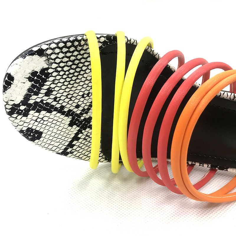 Kcenid 2019 Mới gợi cảm nhiều loài rắn in Giày sandal nữ mở hở mũi phối màu trong suốt chặn gót pha lê Dép máy bơm
