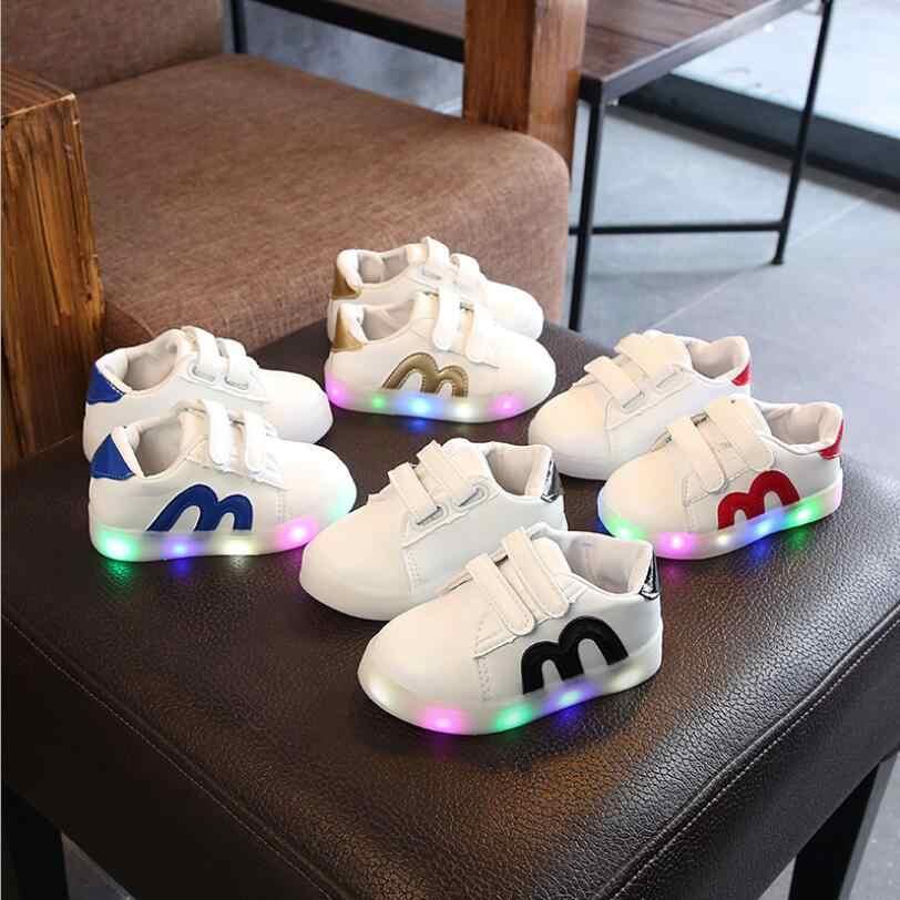 Fashion Sepatu Kasual Luminous Sneakers Bercahaya Diterangi Anak-anak Sepatu Anak dengan LED Light Up Sepatu Kets untuk Anak Laki-laki