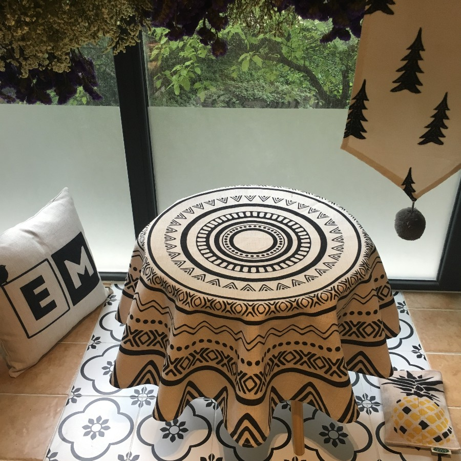 Buy Pineapple Tablecloth Online With Free Delivery # Table Basse Ronde Hippie