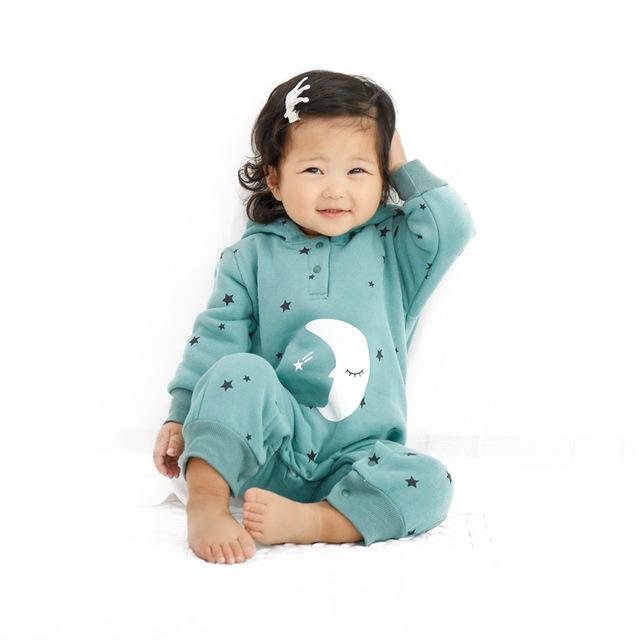 Ropa de bebé Mamelucos Del Bebé de Invierno trajes del bebé recién nacido de Navidad Estrella luna larga Mono Niños prendas de Vestir Exteriores Caliente con capucha de la Historieta