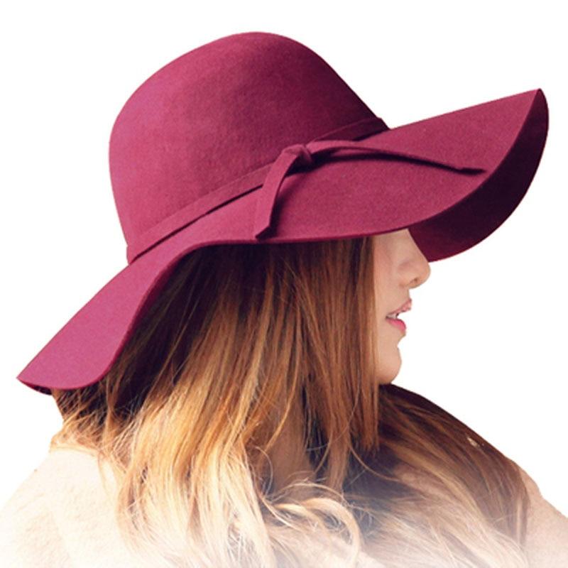 Chapeau feutré à large bord style capeli ...