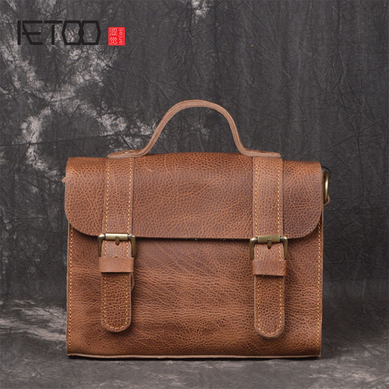 AETOO New fashion trend leather handbag head layer cowhide shoulder Messenger bag simple casual lady small square bag aetoo leather shoulder bag female bag head layer cowhide fashion korean version of the tide new leather wild shoulder small