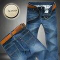 2017 Recién Envío Gratis Jeans Para Hombre, Moda de Marca Famosa Jeans Hombres, Caliente de Diseño Venta Jeans Pantalones, Dril de algodón los Pantalones Vaqueros de Gran Tamaño 28-46