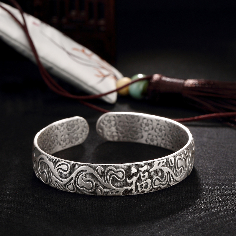 2018 Top Fashion Pure Silver, Antique, Matte, Plum Blossom, Sterling High Grade Ladies, Wild Style, Open Bracelet Wholesale. 2018 Top Fashion Pure Silver, Antique, Matte, Plum Blossom, Sterling High Grade Ladies, Wild Style, Open Bracelet Wholesale.