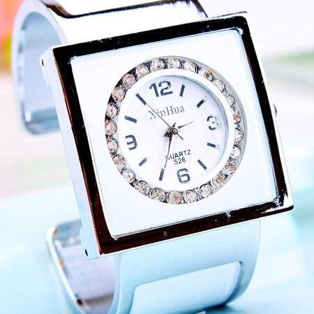 2016 Brand Diamond Steel Women Rhinestone Crystal Watches Female Fashion Ladies Clocks Women Quartz Bling Dress Bracelet Watches