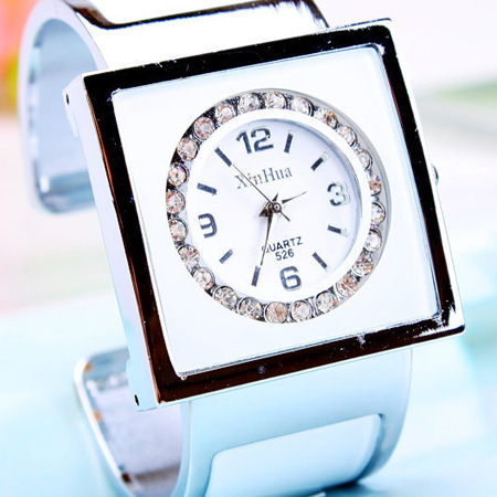 2016 Brand Diamond Steel Women Rhinestone Crystal Watches Female Fashion Ladies