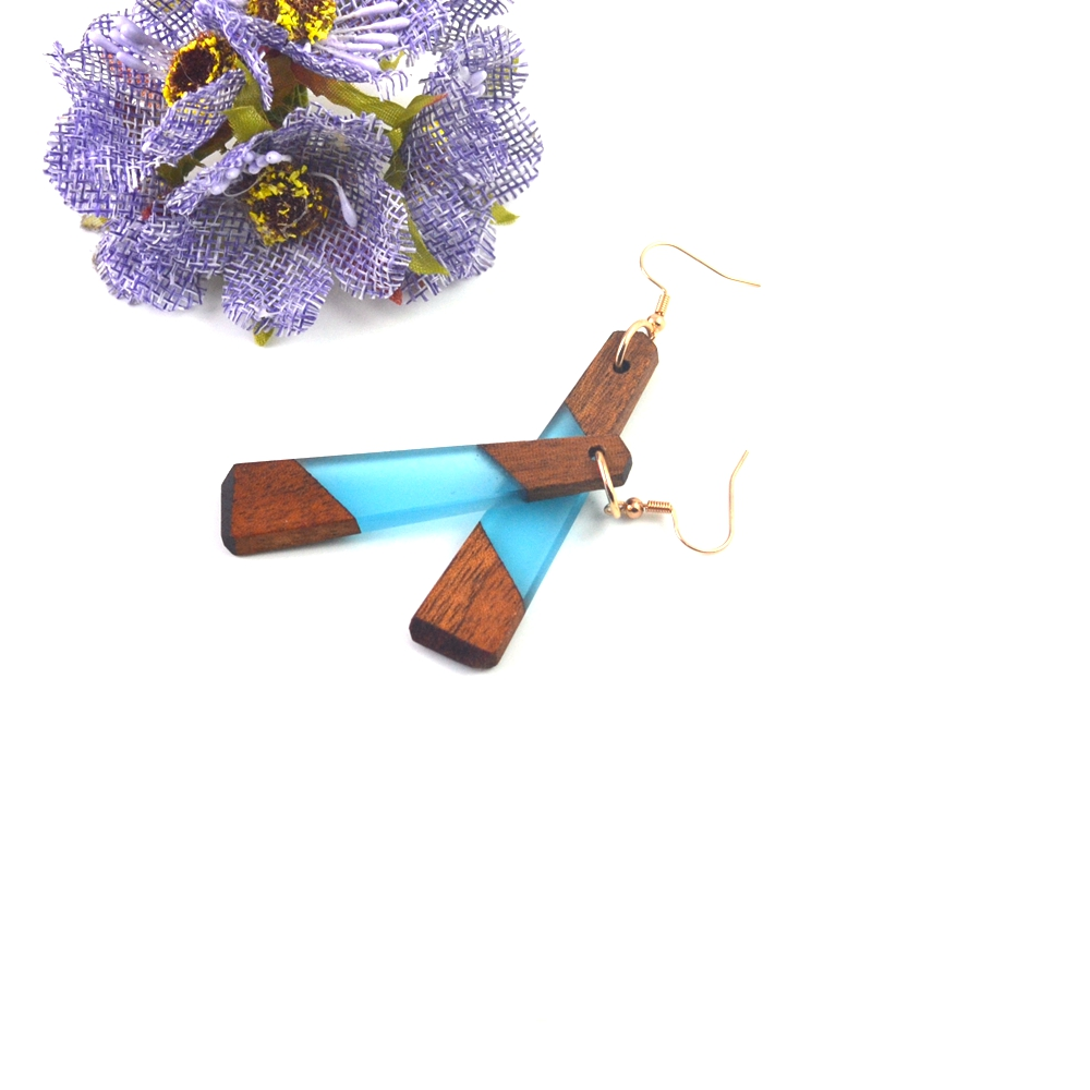 Leanzni Features natural wood – grained wood resin earrings, blue fashion jewelry, gifts wholesale.
