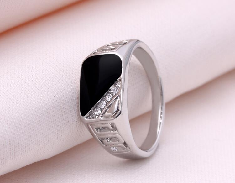 vintage-titanium-steel-ring-with-black-and-rhinestone-encrusted-1
