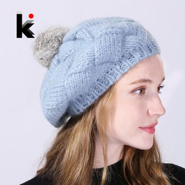 3041cea0 € 8.09 40% de DESCUENTO Invierno boinas de las mujeres Real conejo piel  PomPom sombrero de lana de punto de las señoras otoño gorras planas boina  ...