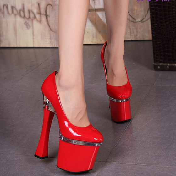 ФОТО Ultra-stable thick with high heels Thickness of the water table sexy patent leather round shallow mouth women 's shoes