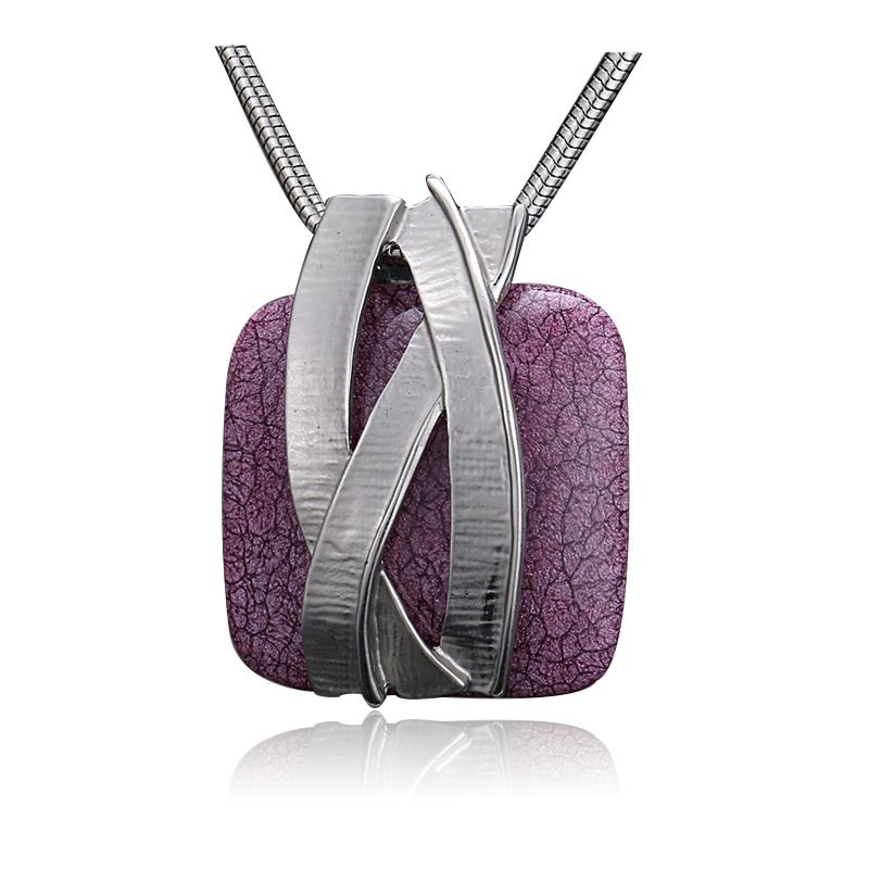 Flawless Lady snake-shaped short necklace purple blue resin square pendant exquisite dress accessories D00505