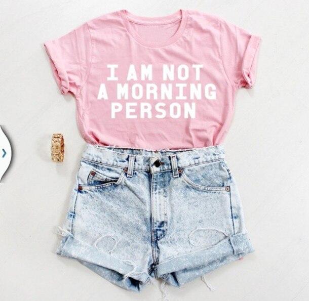 Я НЕ Утренний ЧЕЛОВЕК Забавный Письмо Принт Футболка Женщин сексуальная майка Летом Стиль тройники Модной Одежды Любовь Розовый футболка