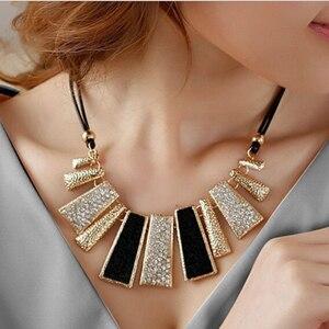 39ce974a514e Nueva señora Fashion Design Cuentas esmalte BiB cuero trenzado cuerda  cadena collar al por menor belleza