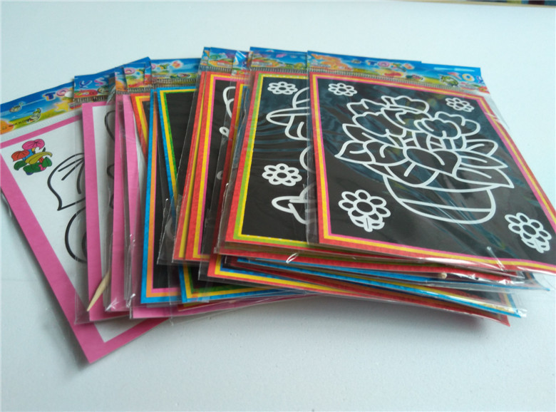 Happyxuan pcs/lot 13*9.5cm Two-in-one Magic Color Scratch Art Paper Coloring Cards Scraping Drawing Toys for Children 2