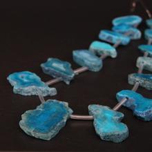 """Bijoux pendentif tranche brute, Agates bleues naturelles percées en 15.5 """"/brin, géode Druzy, perles en forme libre"""