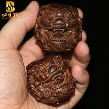 Agarwood hand pieces of walnut wood health-care ball player to a handball mahogany health fitness ball Wenwan walnut