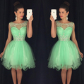 2016 curto Prom vestidos Homecoming graduação vestido com A linha Sheer pescoço da Apple verde contas cristais barato