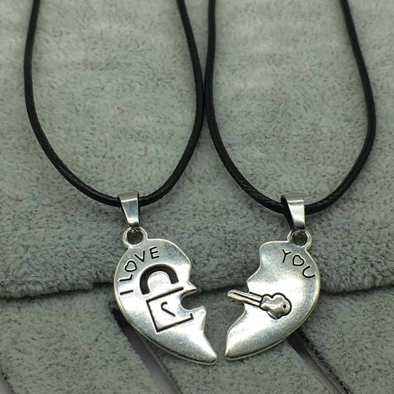 2 PCs/Set Couple Necklace for Women and Men Silver Two Pieces Heart Pendant Paired Necklace Fashion Necklace Gifts for Women