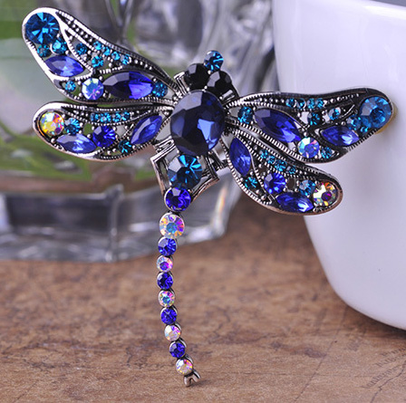 Blucome Antique Silver Dragonfly Brooches Jewelry Perfect Crystal Brooch  Pin Vintage Brooch Bouquet Fashion Hijab Accessories-in Brooches from  Jewelry ... 6b51a56546f4