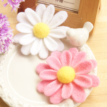 Brooch circle of daisies wool needlepoint kit wool felt needle felting pendant craft needlecraft DIY handmade(China)