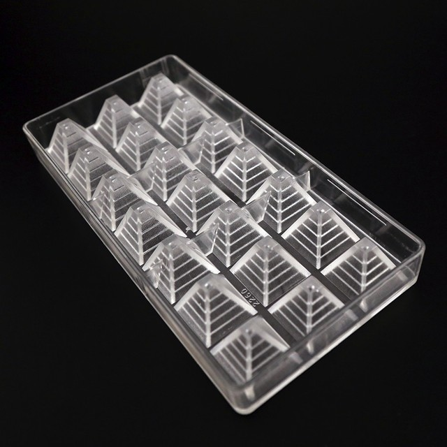 3D pyramid shape polycarbonate pastery chocolate mould
