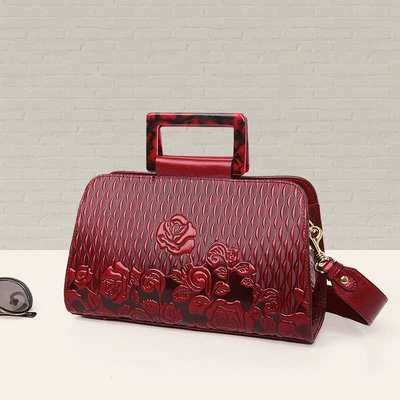2019 new fashion genuine leather handbag ethnic wind embossed cowhide wide famous strap famous Messenger bag female2019 new fashion genuine leather handbag ethnic wind embossed cowhide wide famous strap famous Messenger bag female