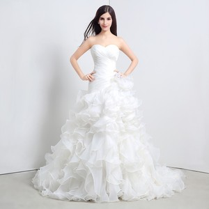Fashion Mermaid Wedding Dresses 2017 Sweetheart Neckline Ruffles Organza Cascading Lace Up Court Train Bridal Gowns Real Sample