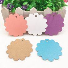 50 pçs 6x6cm cores múltiplas bonito flor redonda papel kraft pendurar tags festa de casamento favor etiqueta cartões de presente