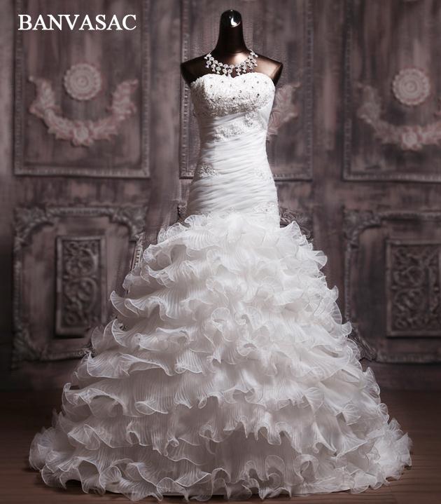 BANVASAC 2017 New Mermaid Luxury Embroidery Sweetheart Wedding Dresses Elegant Crystals Satin Court Train Bridal Gowns