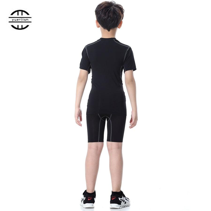 a068c97907d11 Yuerlian niños de traje de Fitness mallas corriendo conjunto gimnasio ropa  deportiva corta Camiseta pantalones cortos de chándal DE LOS NIÑOS traje de  ...
