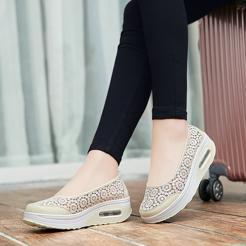 Ladies Flat Platform Shoes 2019 Summer Women Slip On Comfortable Breathable Sweet Flats Black Lace Pattern Shoes Size 35-41Ladies Flat Platform Shoes 2019 Summer Women Slip On Comfortable Breathable Sweet Flats Black Lace Pattern Shoes Size 35-41