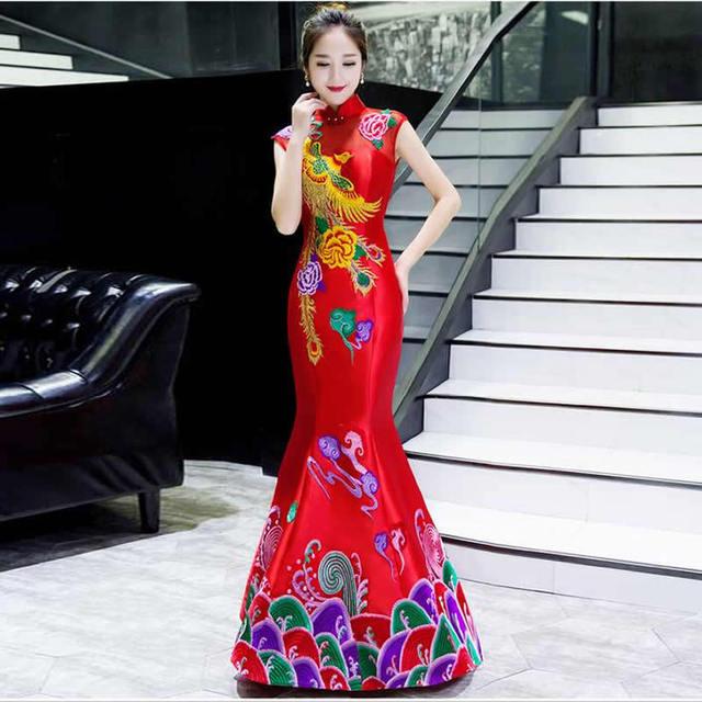 73bafd62c Tradicional rojo novia estilo chino bordado sirena cola boda Cheongsam  largo vestido de noche Qipao vestidos