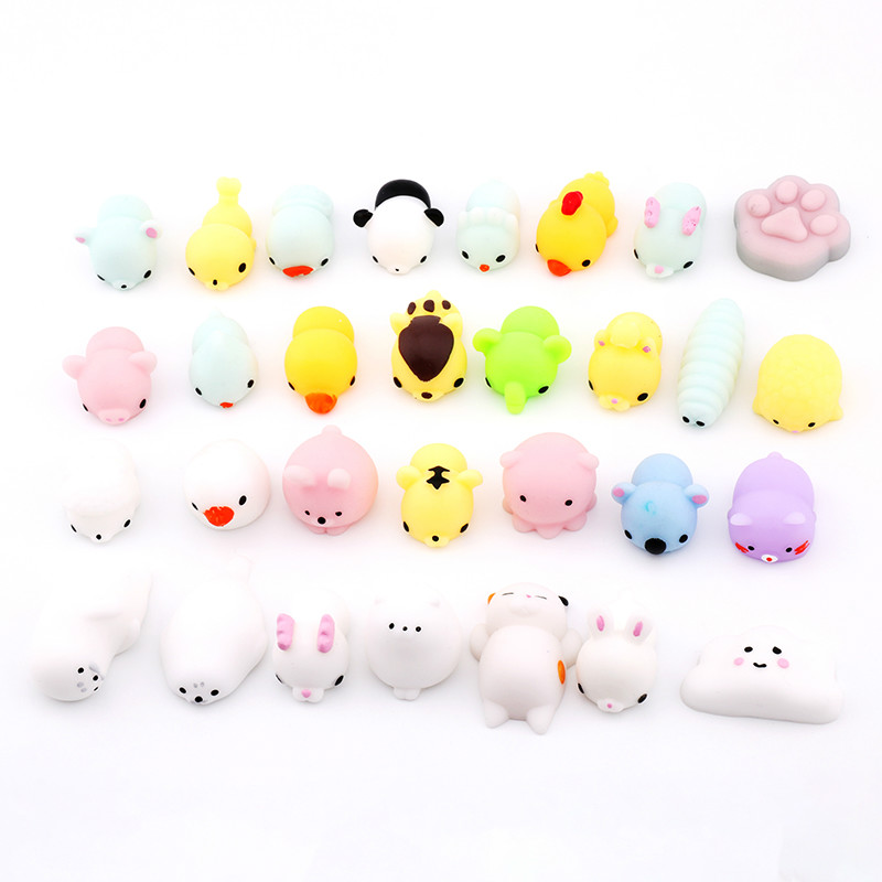 16 Pcs/lot Random Cute Mini Squeeze Toys Animals Fidget Finger Hand Vinyl Dolls Rubber Fun Anti-stress Reliever Squishy Toy Sets