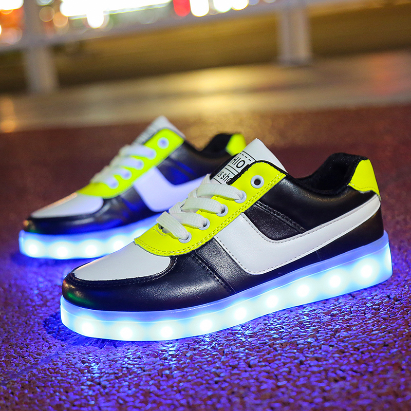 Unclejerry Little Children Flashing Sandals Summer Kids Fashion Shoes Glowing Slippers For Boys Girls Non-slip Beach Sandal Spare No Cost At Any Cost Girls
