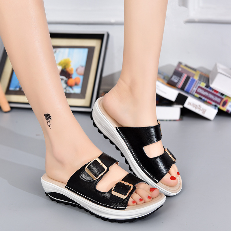 2017 Summer Woman Shoes Platform bath slippers Wedge Beach Flip Flops Low Heel Slippers For Women