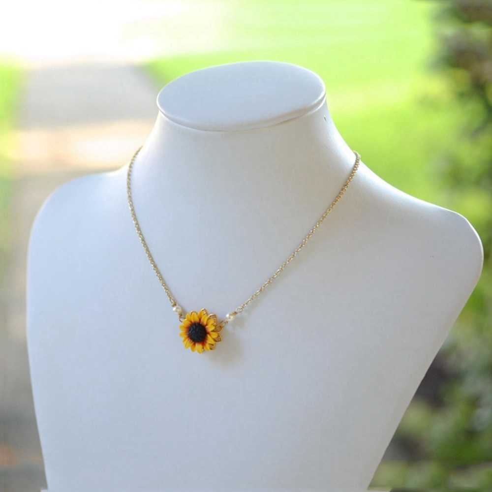 1pc Charm Sunflower Pendant Chain Necklace for Women Simple Pearls Princess Bride Bridesmaid Romantic Drop Necklaces