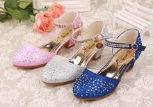 Розкішні дитячі дитячі кристалічні дівчата Принцеса шкіряні взуття Повсякденне взуття Босоніжки з діамантами Високі каблуки Танці шоу взуття