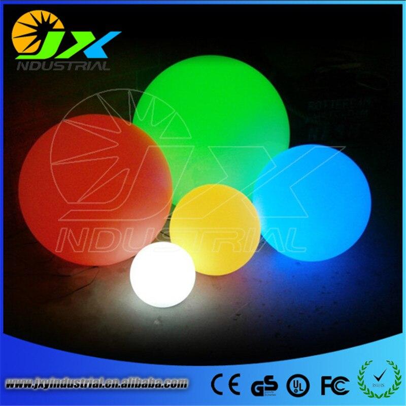 Boule magique RGB led diamètre extérieur 25 cm rechargeable, sphère rougeoyante, boule de lumière de piscine étanche pour la décoration de noël