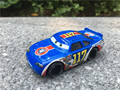 Original de la película del coche de pixar 1:55 diecast metal racer no. 117 torque pistonsl toy cars nueva loose