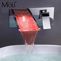 Ванной смеситель Изменение цвета светодиодные Водопад стену ванной раковина кран Torneira Cozinha