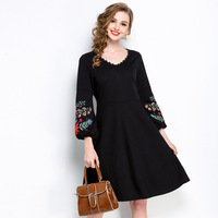 Ethnic Floral Embroidery Puff Sleeve Women Vintage Dress 2018 Spring Fashion V Neck Lace Patchwork 5XL