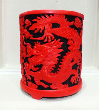 Exquisite Chinese Traditional Technology Red Lacquerware Dragon Vase pen case