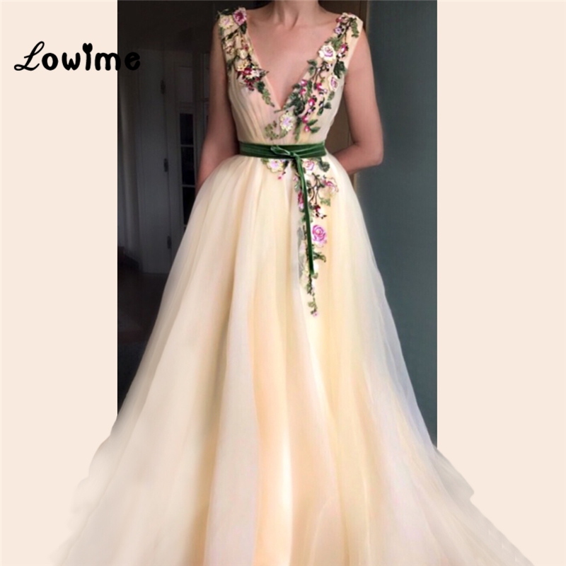 Light Champagne Appliques Embroidery Arabic   Evening     Dresses   2018 A Line V Neck Prom   Dress   Wedding Party   Dress   Custom Vestidos